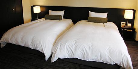なぜホテルではベッドの「ヘッドボード」は別なの?